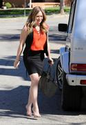 http://img270.imagevenue.com/loc584/th_664046997_Hilary_Duff_arriving_a_business_meeting3_122_584lo.jpg